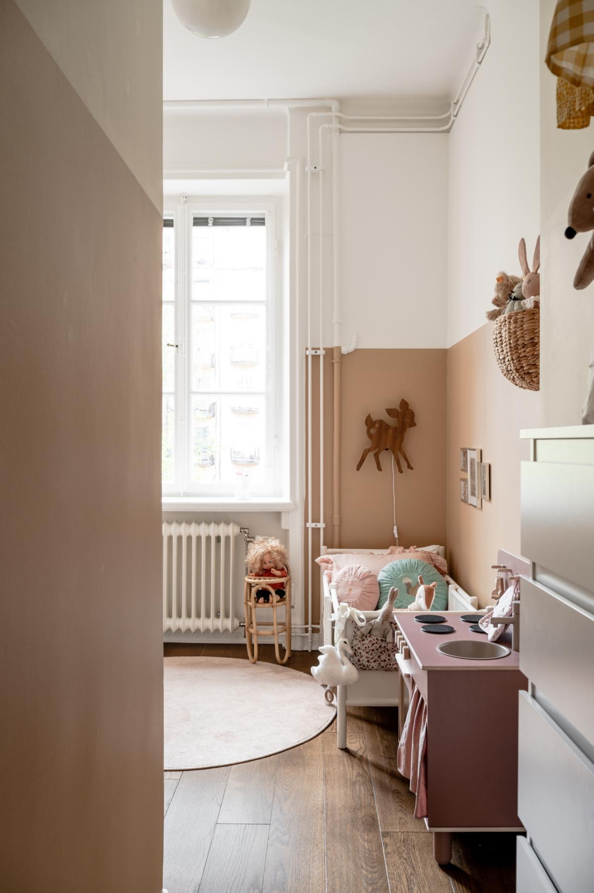"""Förtrollande fin, ljus & högt belägen 1920-talsdröm i idylliska """"Lilla Paris"""""""